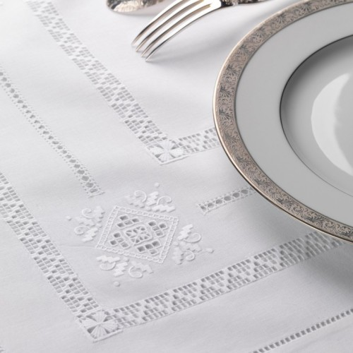 Renaissance Paris Renaissance White Embroidered Table Linens