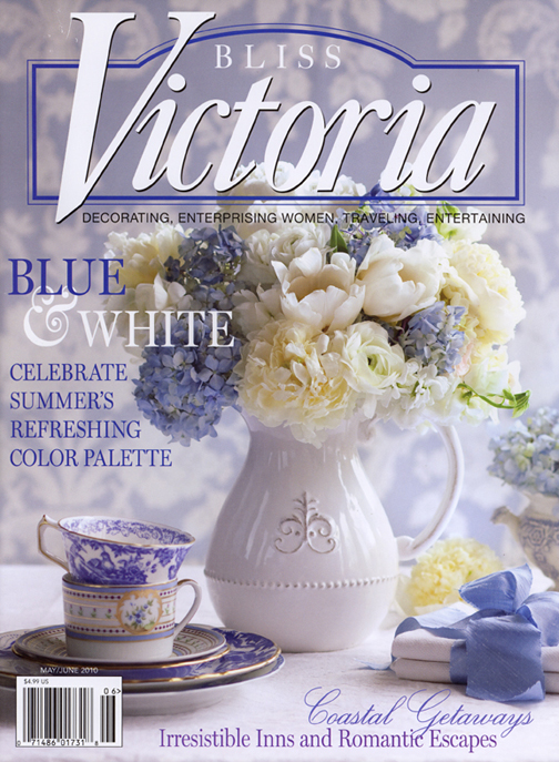 Blue and white copenhagen table linens and varga athens for Victoria magazine low country style