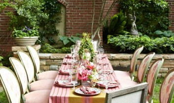 Summer Salsa Table Linens Featured in Traditional Home
