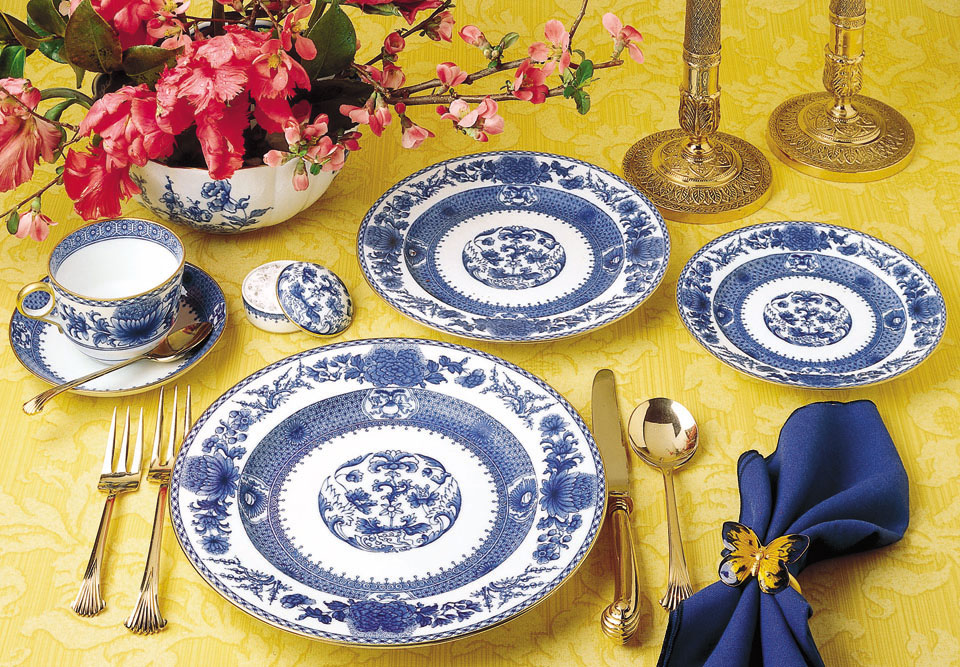 ImperialBlue_CW2400_lg_1 & Mottahedeh\u0027s Blue and White Dinnerware: Endless Possibilities ...