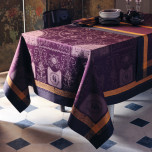 Bagatelle Velours Easy Care Table Linens