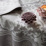 Toscane Frost Table Linens