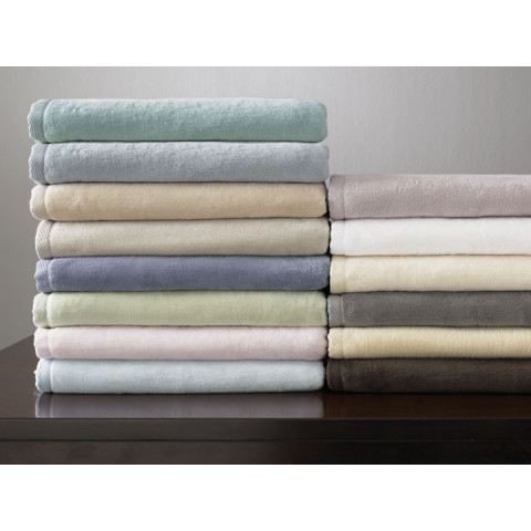 St Moritz Solid Combed Cotton Blanket | Gracious Style